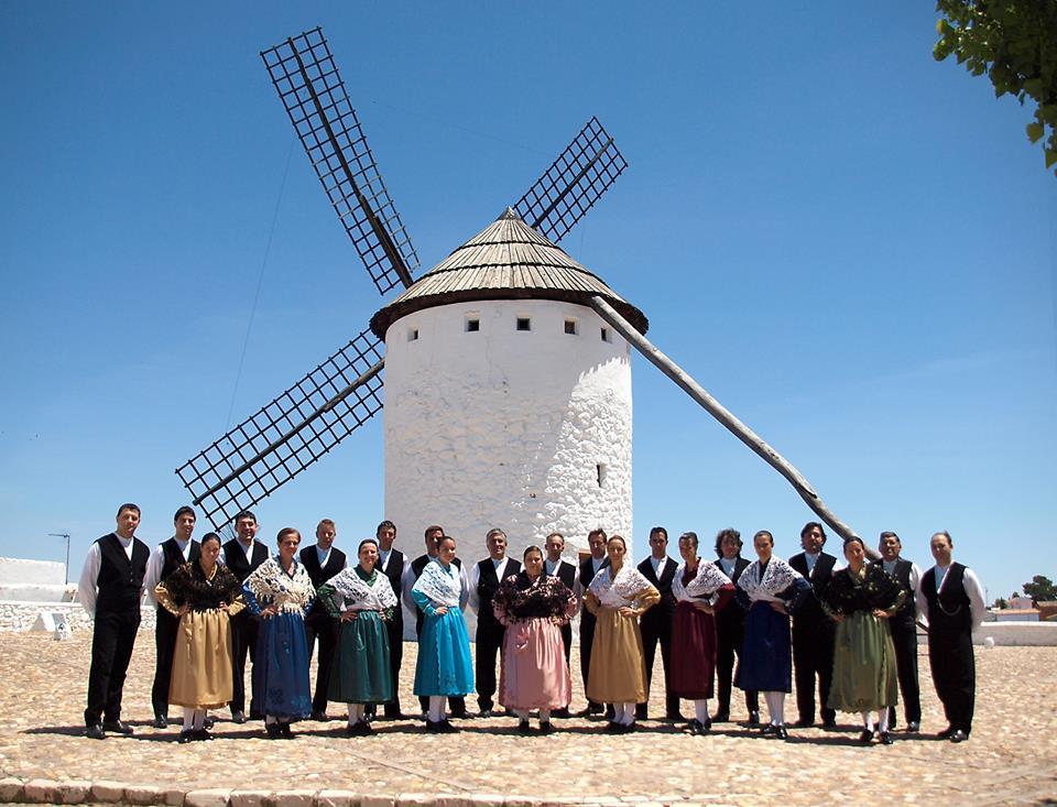 Grupo Los Molinos de Viento (con molino)